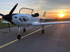 FlyNowE-Tarragon-sunset.jpg