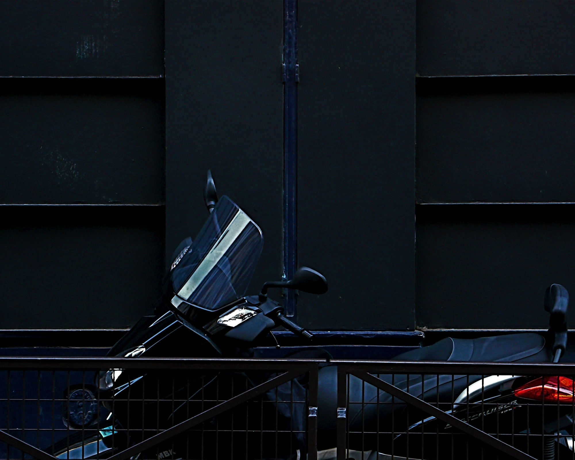 paris-motorcycle-16x20-P1110505.jpg