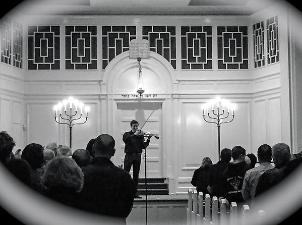 Kristof Barati at Temple Ohev Sholom 2015