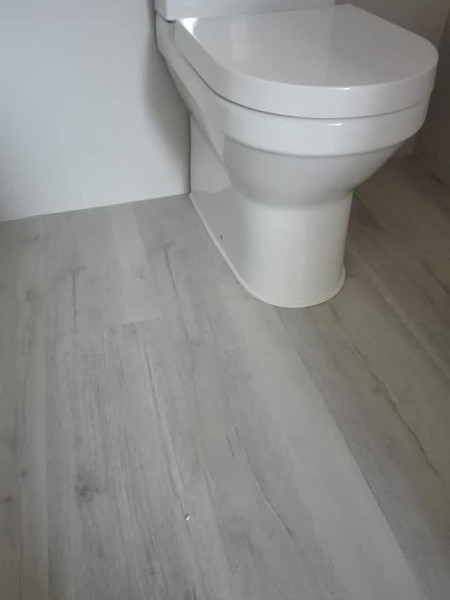 Flexible PvC Quarter Round perfect for finishing around toilet bases & pedestals.