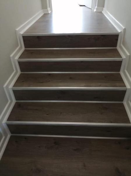 Retrofit Alluminium Stairnosing on laminated flooring