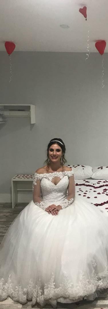 Noiva em suíte decorada