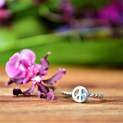 Anel Prata Torcido Simbolo da Paz