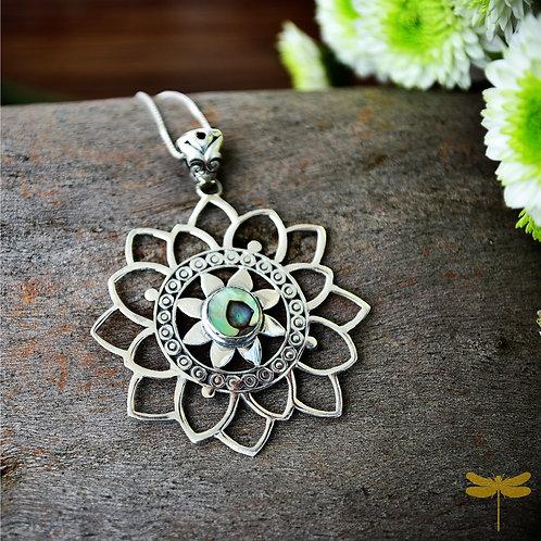 Pingente Mandala com Pedra Abalone