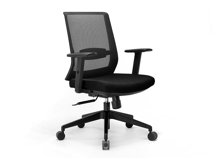 Engage-ergonomic-chair-with-arms-black