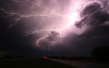 Lightning restores earth electrons
