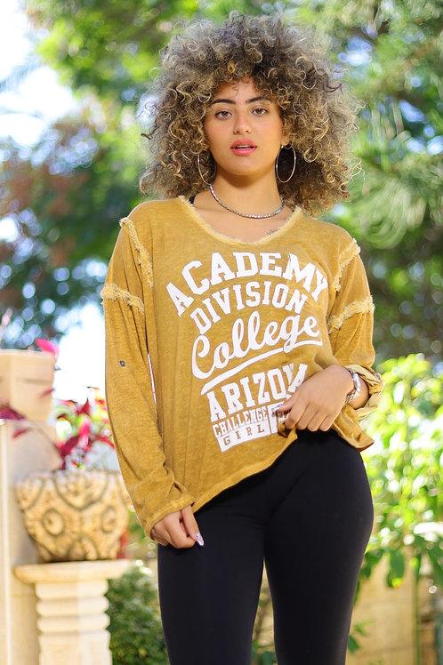 חולצת אקדמי קולג'