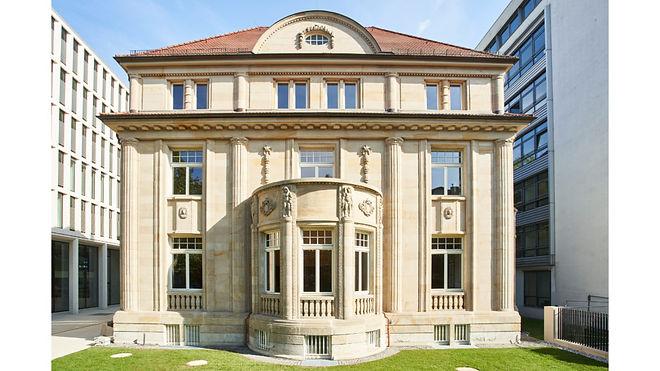 KfW_Villa_c_KfW_Bankengruppe_Jens-Steingässer-1024x576.jpg