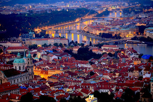 prague-night-689897_1280.jpg