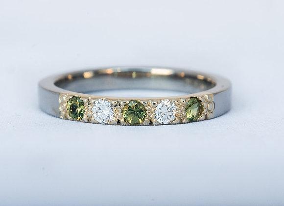 Diamond and Green Sapphire ring