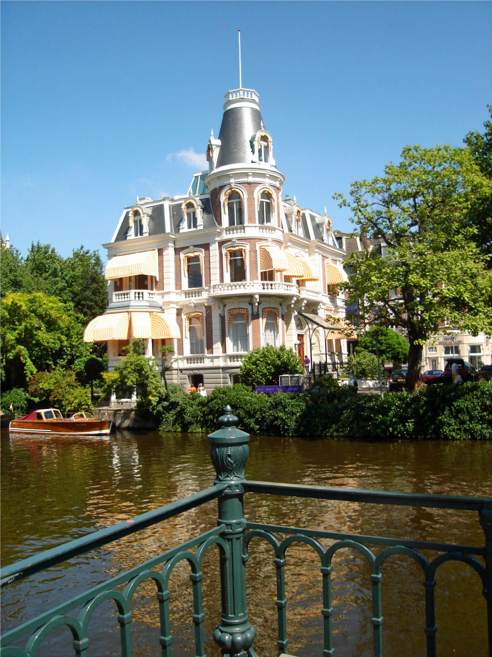 House on the gracht - Amsterdam, Holland