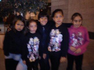 Nacho con Andrea, Ana, Lucía y Paula