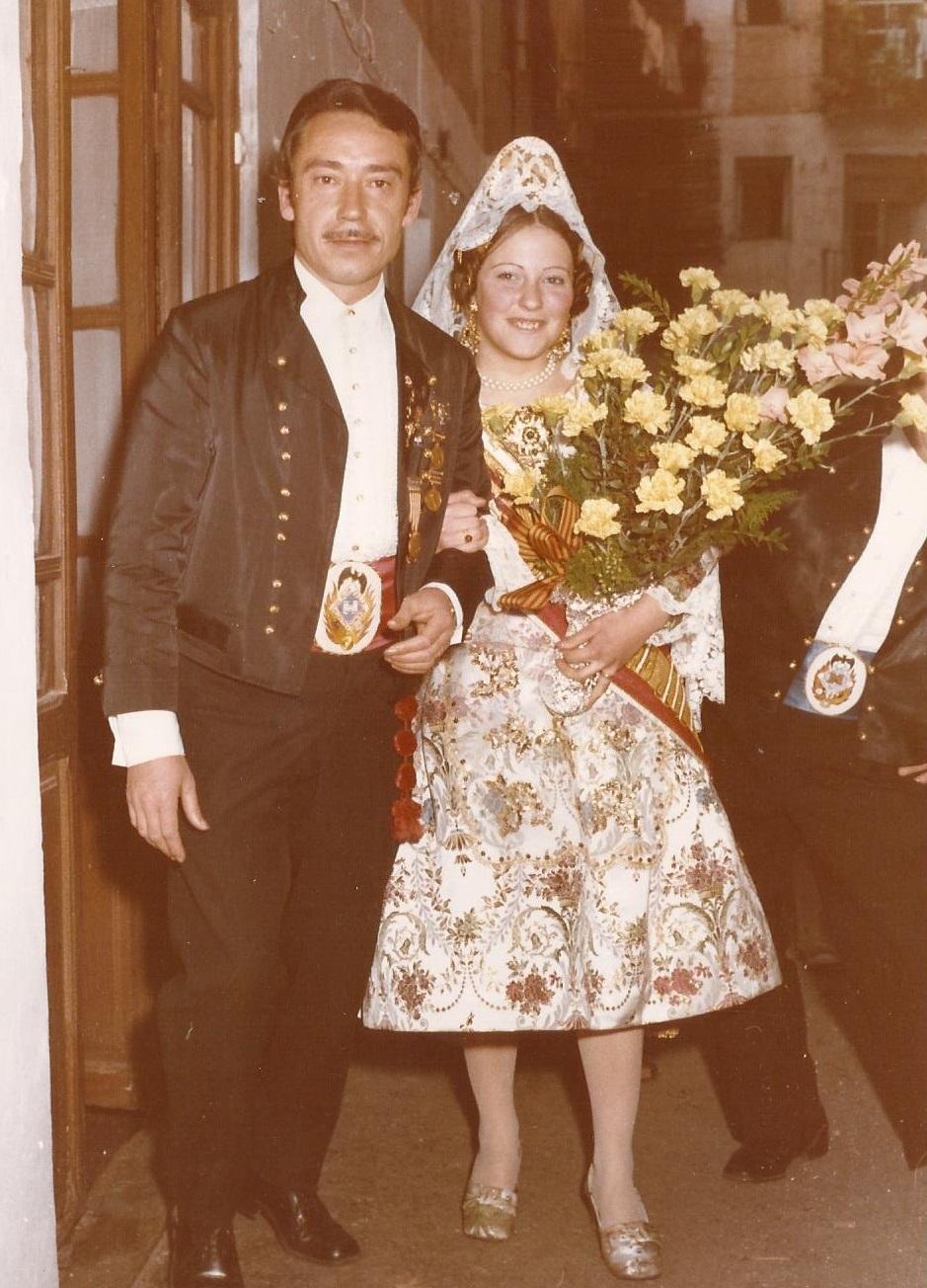 Fallera mayor en la ofrenda 1973