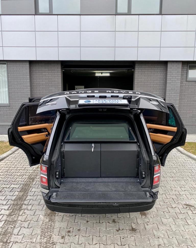Land Rover Range Rover 4.jpeg
