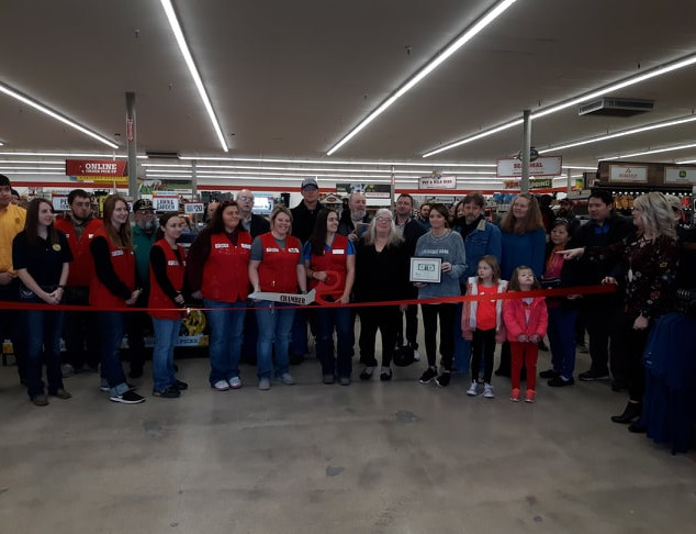 ribbon cutting tractor supply.jpg