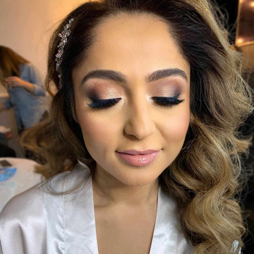 America - Makeup Artist Lips & Lashes Bridal