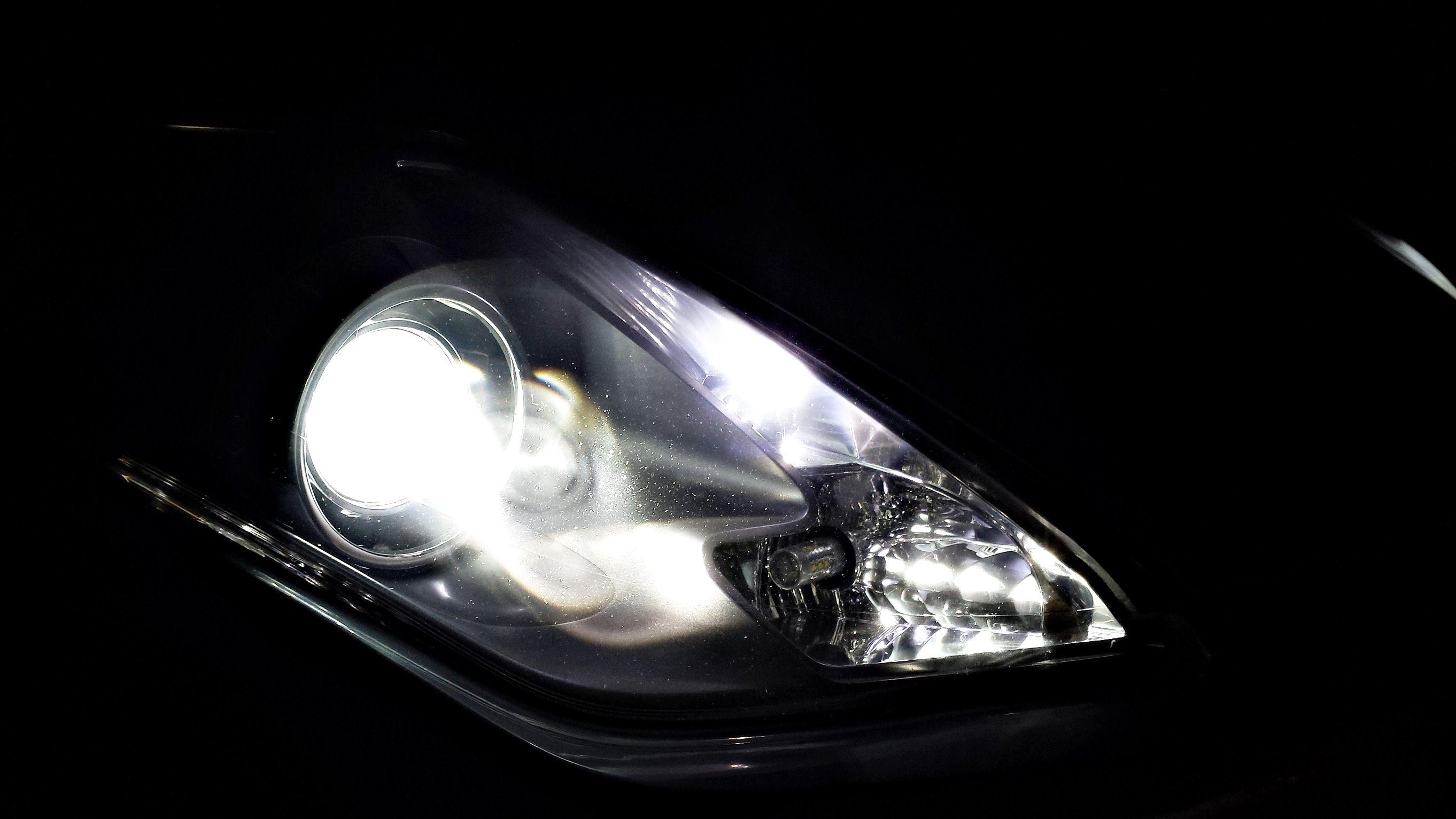LEDiamond Super Xenon Crystal White efecto LED RENAULT LAGUNA COUPE