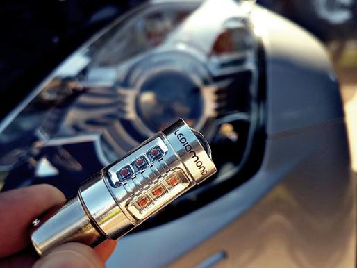 Luces LED Coche. Tipos de bombillas en automoción: Coche, moto y camión
