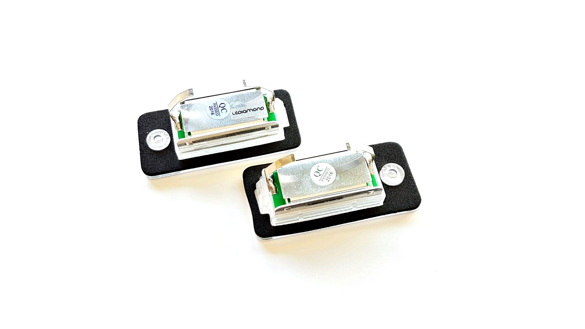 PLAFONES MATRICULA LED AUDI A3 A4 A5 A6 A8 Q7 RS4 LEDIAMOND LMD030804 (2)
