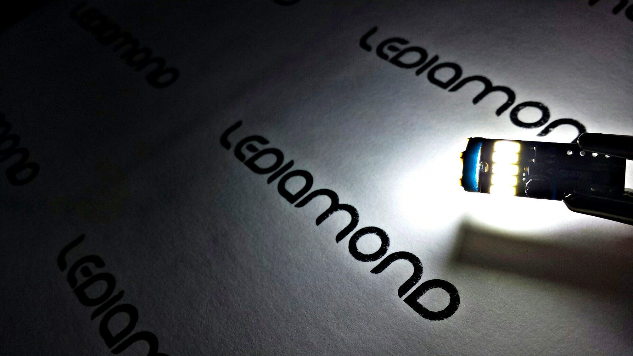 Bombilla LEDIAMOND W5WT10 BLUE EDITION (5)