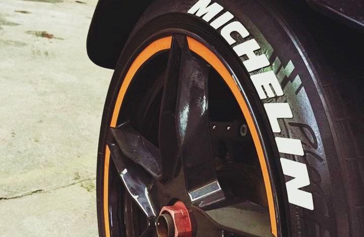 SportTyre EVO2: Pack 32 letras (8 letras x 4 neumáticos) MERCEDES, MICHELIN...