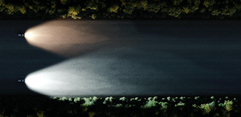 Bombillas halógenas VS PureWhite Kit LED en carretera