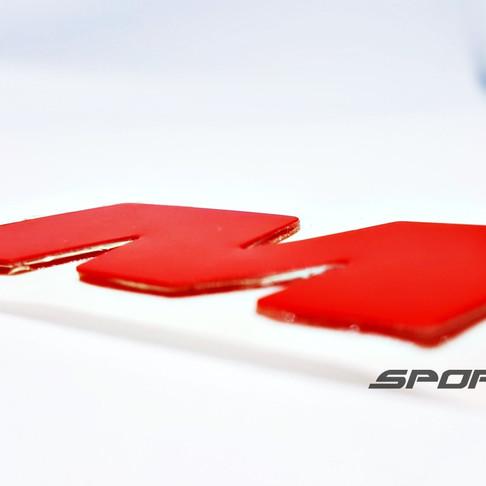 Etiquetas para personalizar neumáticos con tecnología patentada SportTyre sin uso de Cianocrilato
