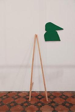 La Visée, 2013.  -  Echasses, feutrine, 200 x 80 cm.  © Gerald Petit