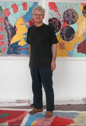 photo de Jean-Marc Scanreigh lors du montage de l'exposition