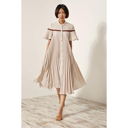 Access pleated dress in vanilla colour