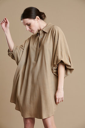 Avant Garde with collar and loose sleeve
