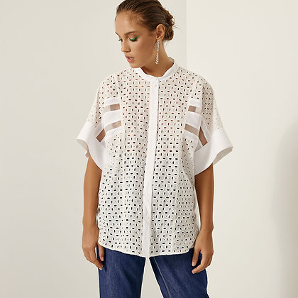 Access shirt with embroidery detail