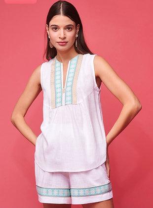 NEMA Lia blouse in white with embroidery 0025