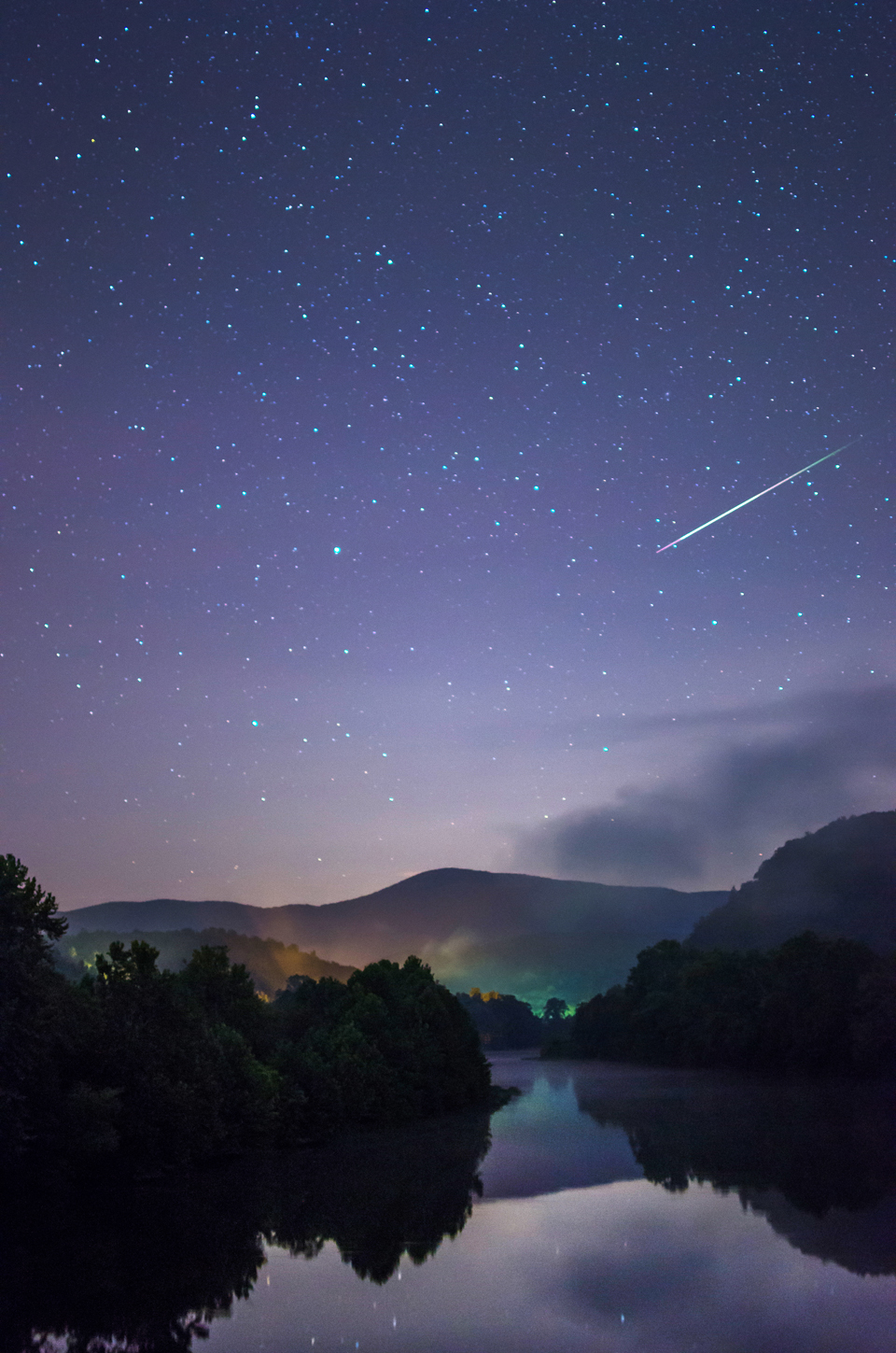 Perseid Meteor & the Blue Ridge Mtns