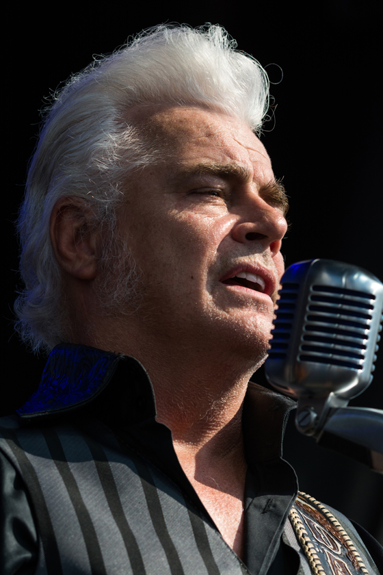 Dale Watson Singing at Bristol
