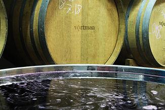 חביות ומיכל יין ביקב וורטמן