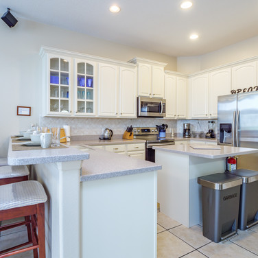 Large kitchen with all top of the line appliances
