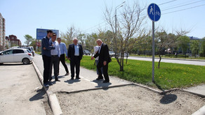 Волонтеры «Сахалинстроя» помогают строить безбарьерную городскую среду