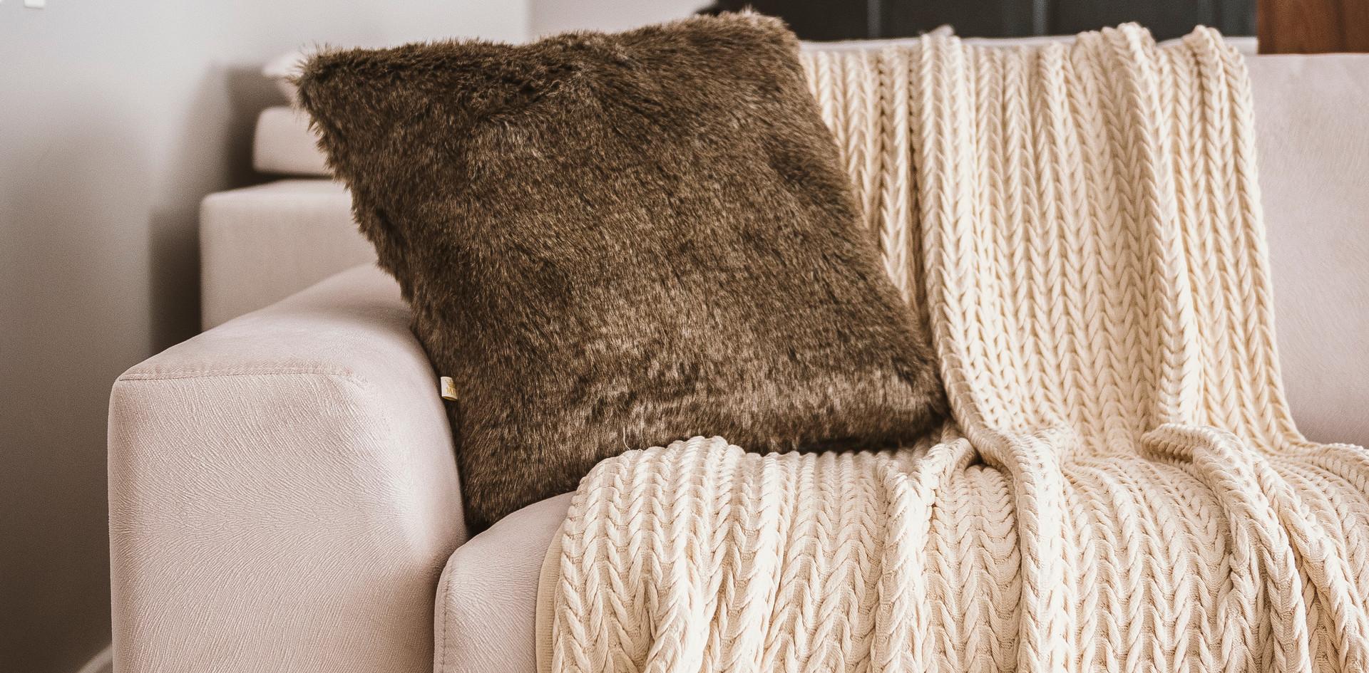 detalhes-sofa-cru-tricot-spazzio-design.