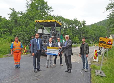 Fahrbahn der B 35 nördlich von Straß im Straßertale wurde erneuert