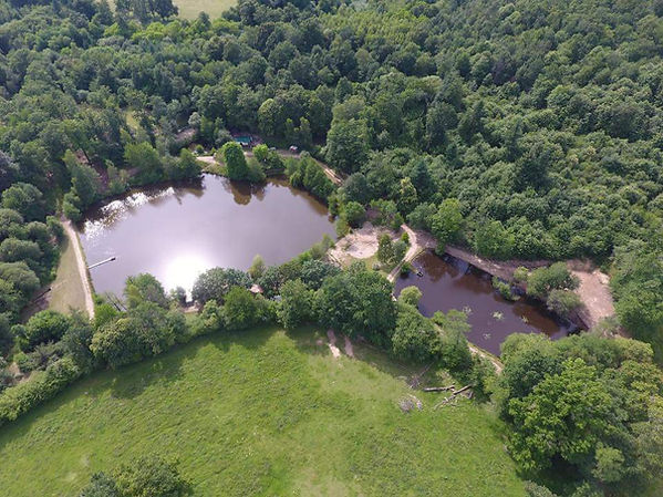 Exclusive carp lakes in France