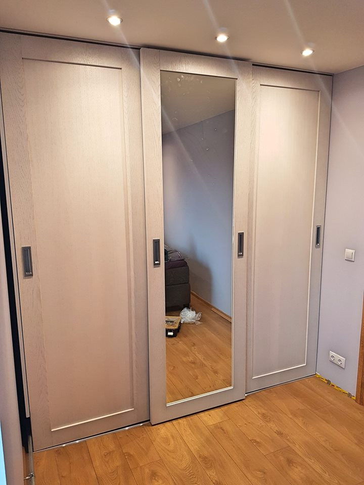 Garderoob 7