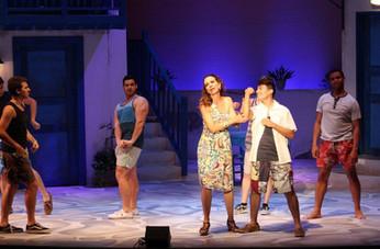 Ensemble in Mamma Mia