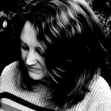 Lisa Wolstenholme - Platinum Author