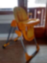 Lit bébé, chaise haute, ...