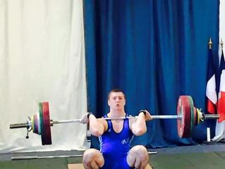 Antoine devient Champion académique d'haltérophilie
