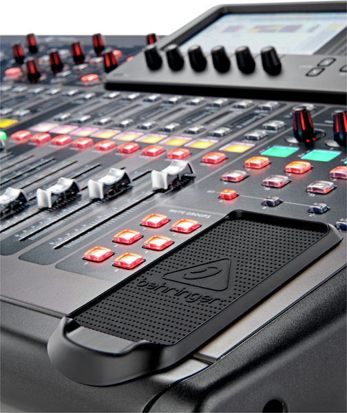BEHRINGER X 32 LOCATION PARIS 15