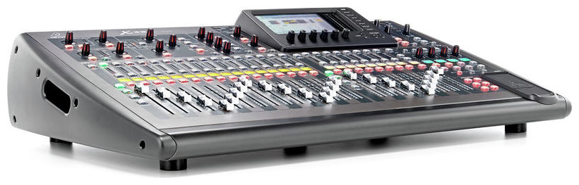 BEHRINGER X 32 LOCATION PARIS 3