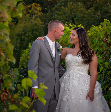 Cincinnati best most affordable wedding photographer Tammy Bryan highlight picture from Brooke & Duston wedding – 30