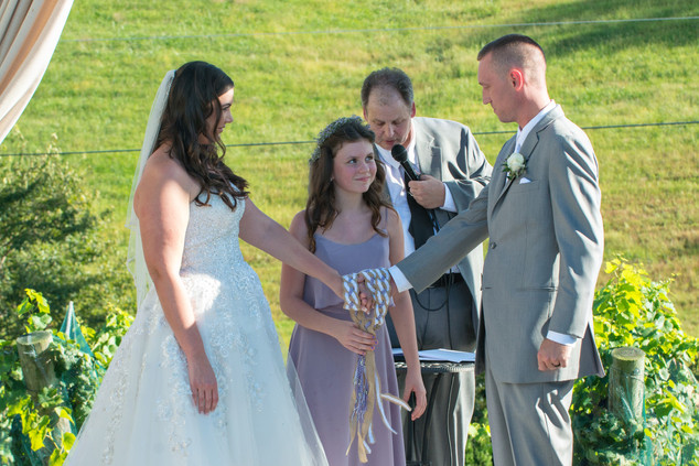 Cincinnati best most affordable wedding photographer Tammy Bryan highlight picture from Brooke & Duston wedding – 18